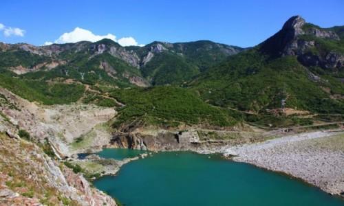 ALBANIA / Szkodra / Kukes / Rzeka Drina przed zapor� wodn�