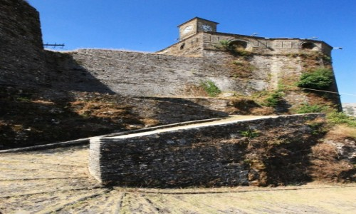 Zdjęcie ALBANIA / Saranda / Gjirokastra / Droga na zamek