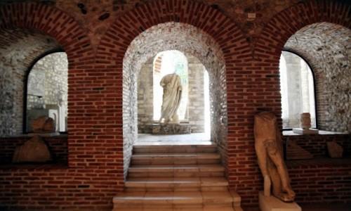 Zdjęcie ALBANIA / Saranda / Butrint - twierdza z XIV w. / Wnętrze muzeum