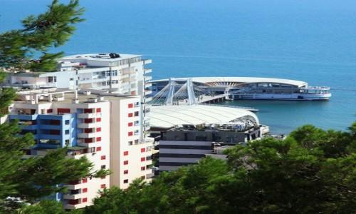 Zdjęcie ALBANIA / Wybrzeże Adriatyku / Durres  / Terminal pasażerski