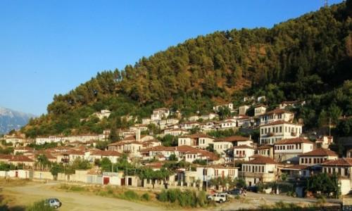 Zdjęcie ALBANIA / Berat / Nad rzeką Osum / Widok na dzielnicę Gorica