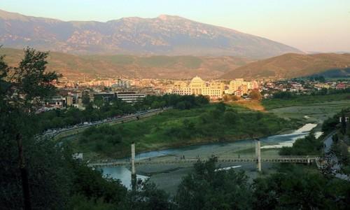 Zdjecie ALBANIA / Berat / Nad rzeką Osum / O zachodzie słońca