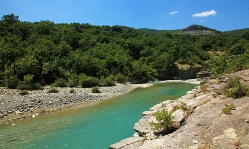 Zdjęcie ALBANIA / Berat / Stare Miasto / Koryto rzeki Osum