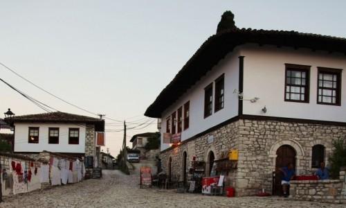Zdjecie ALBANIA / Berat / Twierdza Kale  / Ulica