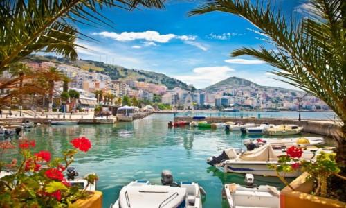 ALBANIA / Wybrzeże Albanii / Seranda / Port w Seranda