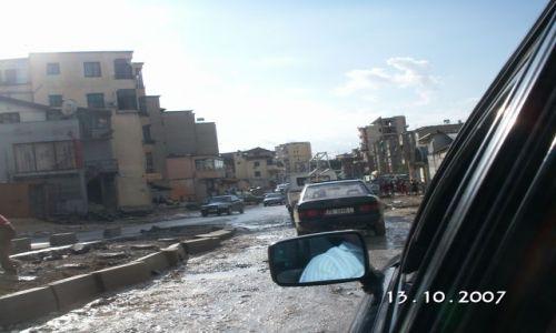 Zdjecie ALBANIA / brak / Tirana / jedna z ulic w Tiranie...na szczęście w przebudowie