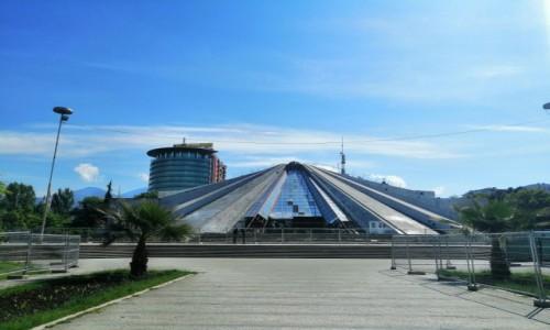 Zdjecie ALBANIA / stolica / Tirana / Tirana - piramida Hodży