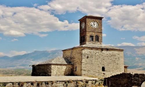 Zdjecie ALBANIA / Gjirokastra / Gjirokastra / Wieża zegarowa w twierdzy Kalaja