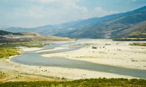 Zdjecie ALBANIA / - / Dolina rzeki Wjosa / Wjosa