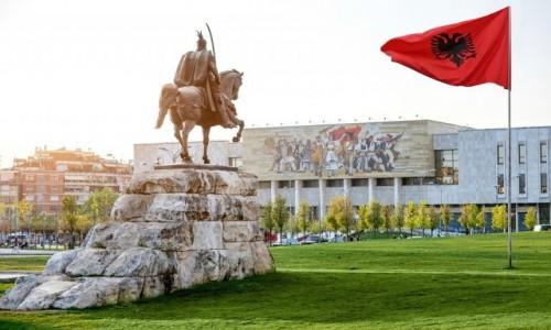 Zdjecie ALBANIA / Tirana ? stolica i największe miasto Albanii, położone nad 3 rzekami. /   / Tirana