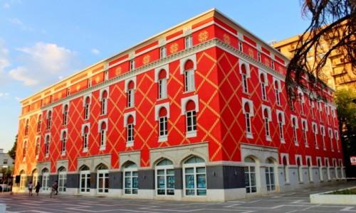 Zdjecie ALBANIA / Tirana / Tirana / Budynek Ministerstwa Infrastruktury i Energii