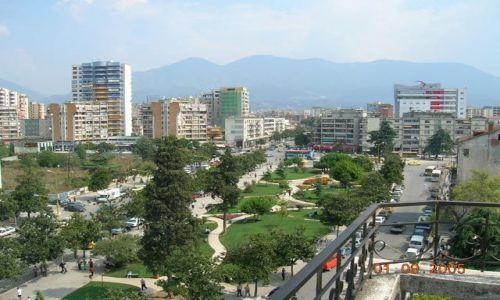 Zdjecie ALBANIA / Albania / Tirana / widok na Dajti