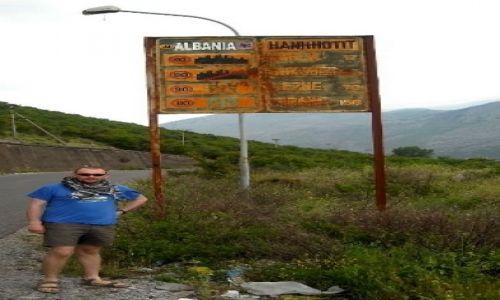 ALBANIA / - / Granica między Czarnogórą a Albanią / Witamy w Albanii