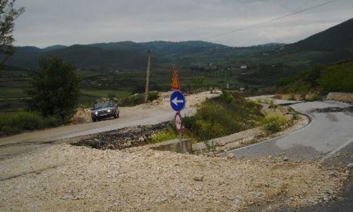 ALBANIA / - / Albania - droga na prowincji / Szosa