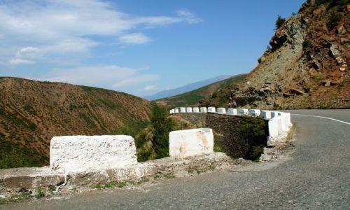 Zdjęcie ALBANIA / - / Góry Albanii / Zakręt 2