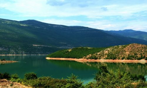 ALBANIA / - / Góry Albanii / Jezioro górskie