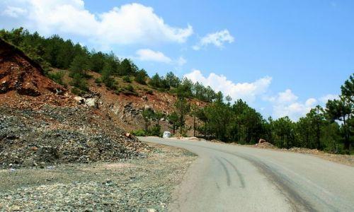ALBANIA / - / Góry Albanii / Albańska droga