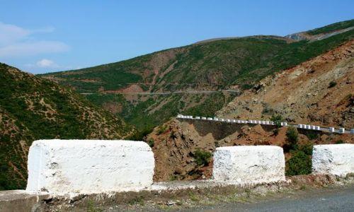 ALBANIA / - / Góry Albanii / Barierki 2