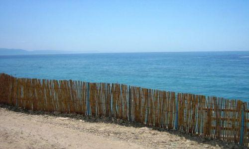 Zdjęcie ALBANIA / bałkany / riwiera albańska / morze jońskie za płotkiem