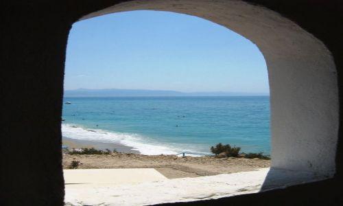 ALBANIA / bałkany / riwiera albańska / plaża z okienka