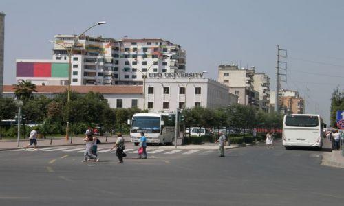 Zdjęcie ALBANIA / Bałkany / Tirana / UFO- oficjalnie
