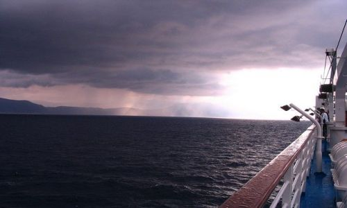 Zdjecie ALBANIA / Morze Śródziemne / między Italią, Albanią i Grecją / na promie przd burzą