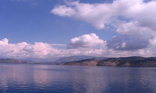 Zdjęcie ALBANIA / Morze Śródziemne / wybrzeża Albanii / ziemia i chmury z morza
