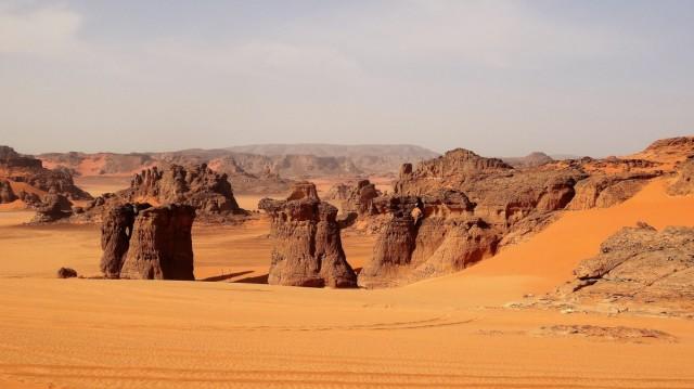 Zdjęcia: Gdzieś po drodze..., Sahara, Formy skalne, ALGIERIA