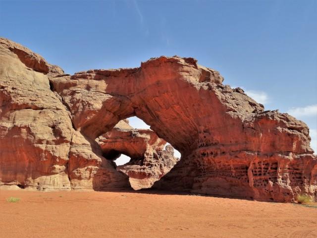 Zdjęcia: Tadrart, Sahara, 9 dni w siódmym niebie - niesłychane bogactwo form skalnych -podwójne okno, ALGIERIA