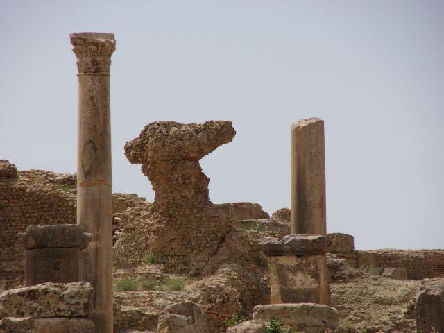 Zdjęcia: ruiny starożytnego miasta, Timgad, czas potrafi rzeżbić, ALGIERIA