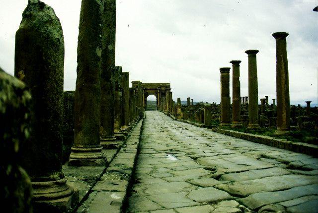 Zdjęcia: rouffi, wschód, Timgad- brama Trajana, ALGIERIA