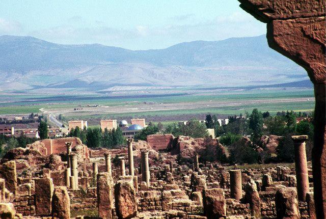 Zdjęcia: timgad, wschód, Timgad- widok na góry, ALGIERIA
