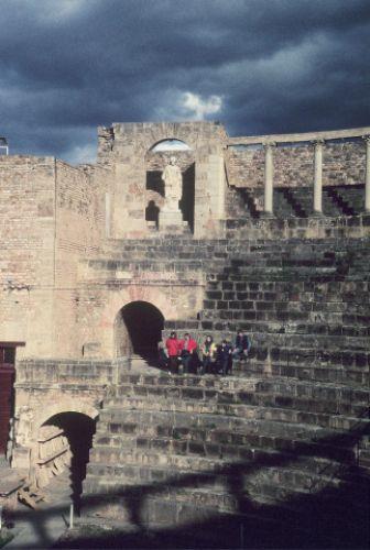 Zdjęcia: Heliopolis, wschód, okolice Guelmy, Heliopolis- amfiteatr, ALGIERIA