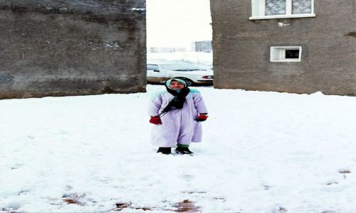 Zdjecie ALGIERIA / algieria zachodnia / tlemcen / arabka na sniegu