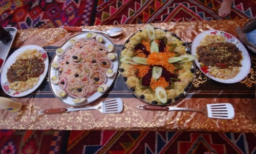 ALGIERIA / Sahara / Tadrart / 9 dni w 7 niebie: Muzyczna podróż z Tuaregami - jedzenie było pyszne i pięknie podane