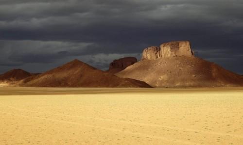 ALGIERIA / Sahara / Tadrart / 9 dni w 7 niebie: Idzie burza