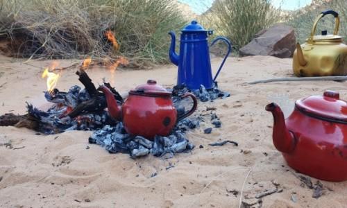 Zdjecie ALGIERIA / Illizi  / Sahara  / Herbata u Tuaregów