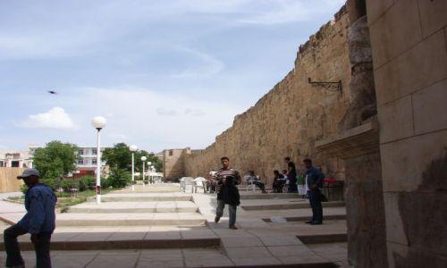 Zdjecie ALGIERIA / Tebessa / Tebessa / mury miejskie