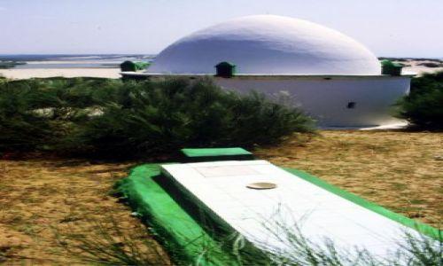 Zdjecie ALGIERIA / wschód, / la Marsa / marabut na plaży La Marsa