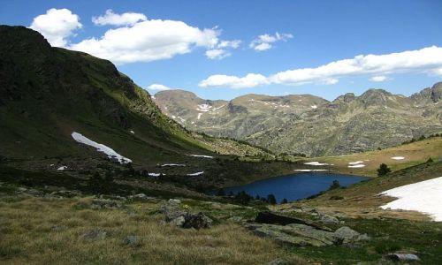 Zdjecie ANDORA / Pireneje / stawy Siscaro / widok z przełęczy
