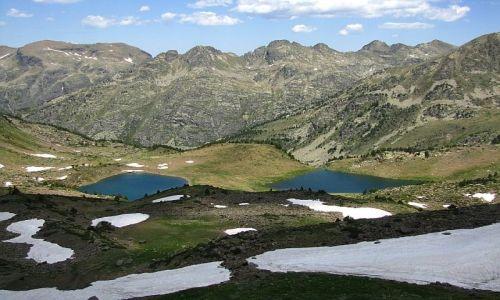 ANDORA / Pireneje / stawy Siscaro / widok z przełęczy