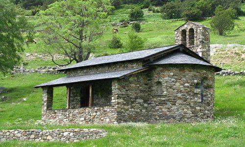 Zdjecie ANDORA / Pireneje / dolina d'Incles / wiejski kościółek