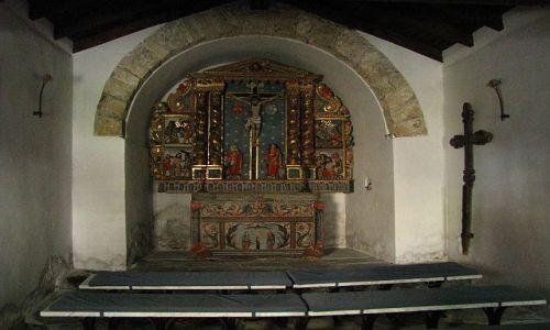Zdjęcie ANDORA / Pireneje / Canillo / wiejski kościółek