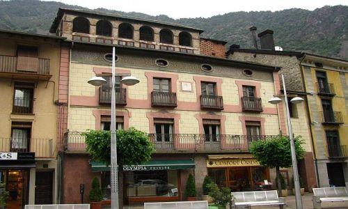 Zdjęcie ANDORA / Andorra la Vell / Andorra la Vell / stare miasto