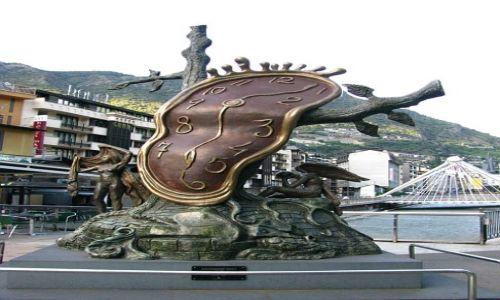Zdjęcie ANDORA / Andorra la Vella / Andorra la Vella / rzeźba