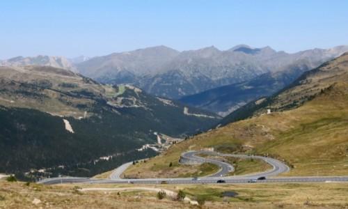 ANDORA / Pireneje / Port d'Envalira / Widok z przełęczy Port d'Envalira w Pirenejach