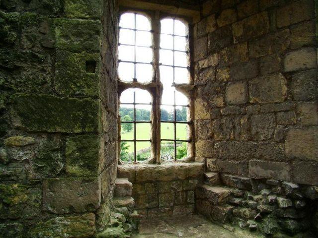 Zdjęcia: Helmsley, North Yorkshire, mowia wieki  (na zamku w Helmsley), ANGLIA