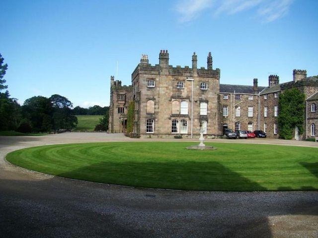 Zdj�cia: Ripley, North Yorkshire, Ripley Castle, ANGLIA