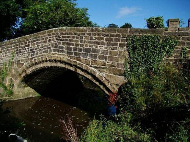 Zdjęcia: Ripley, North Yorkshire, urokliwy mostek (Ripley Castle), ANGLIA
