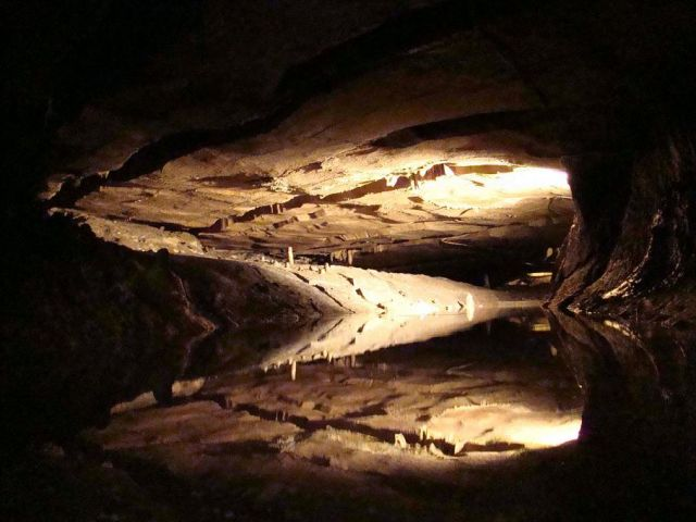 Zdjęcia: jaskinia Inglebrough, North Yorkshire  Dales, podziemne rozlewisko, ANGLIA